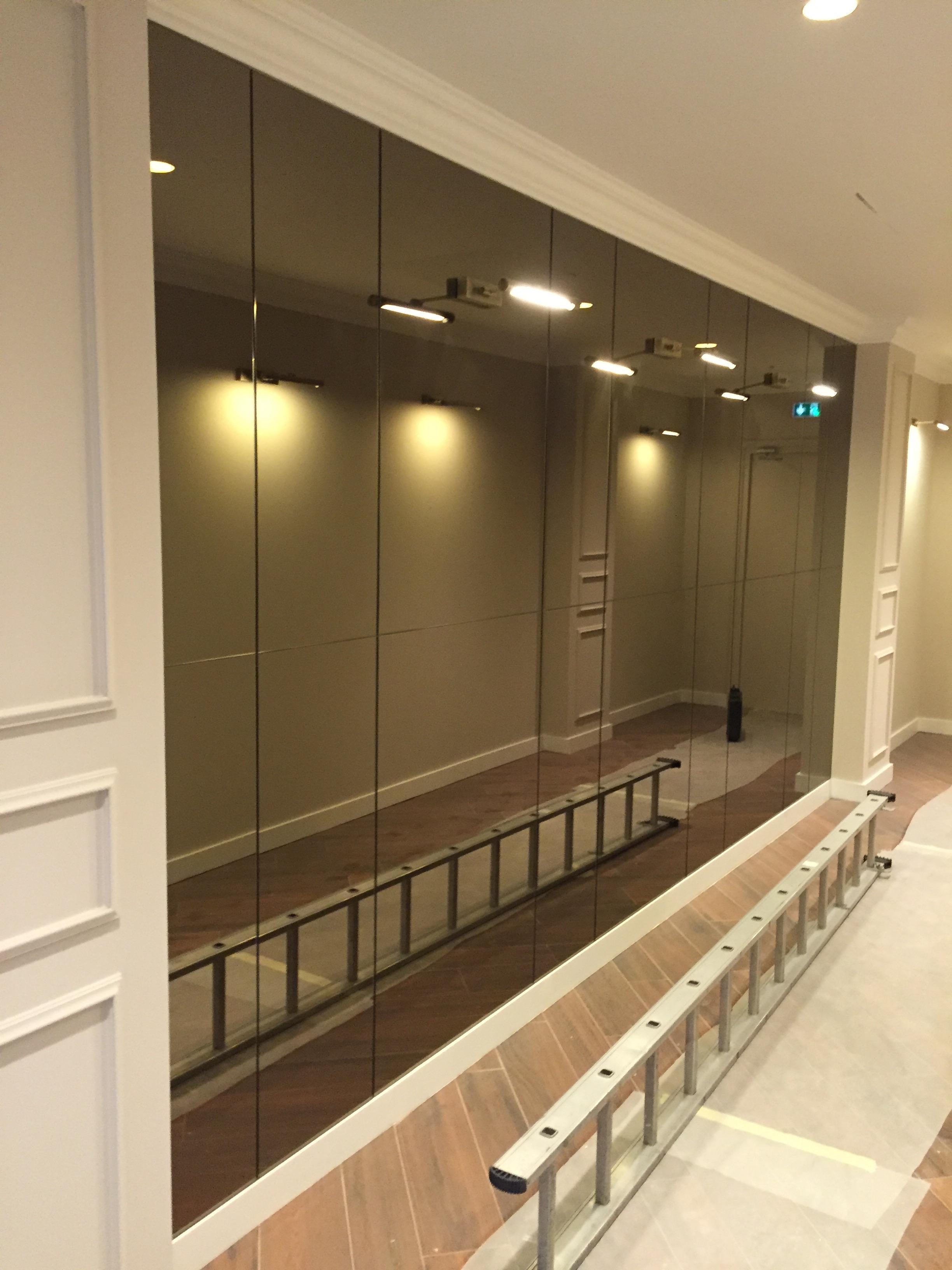 Verres et miroirs sur mesure cannes activitres for Architecte interieur antibes