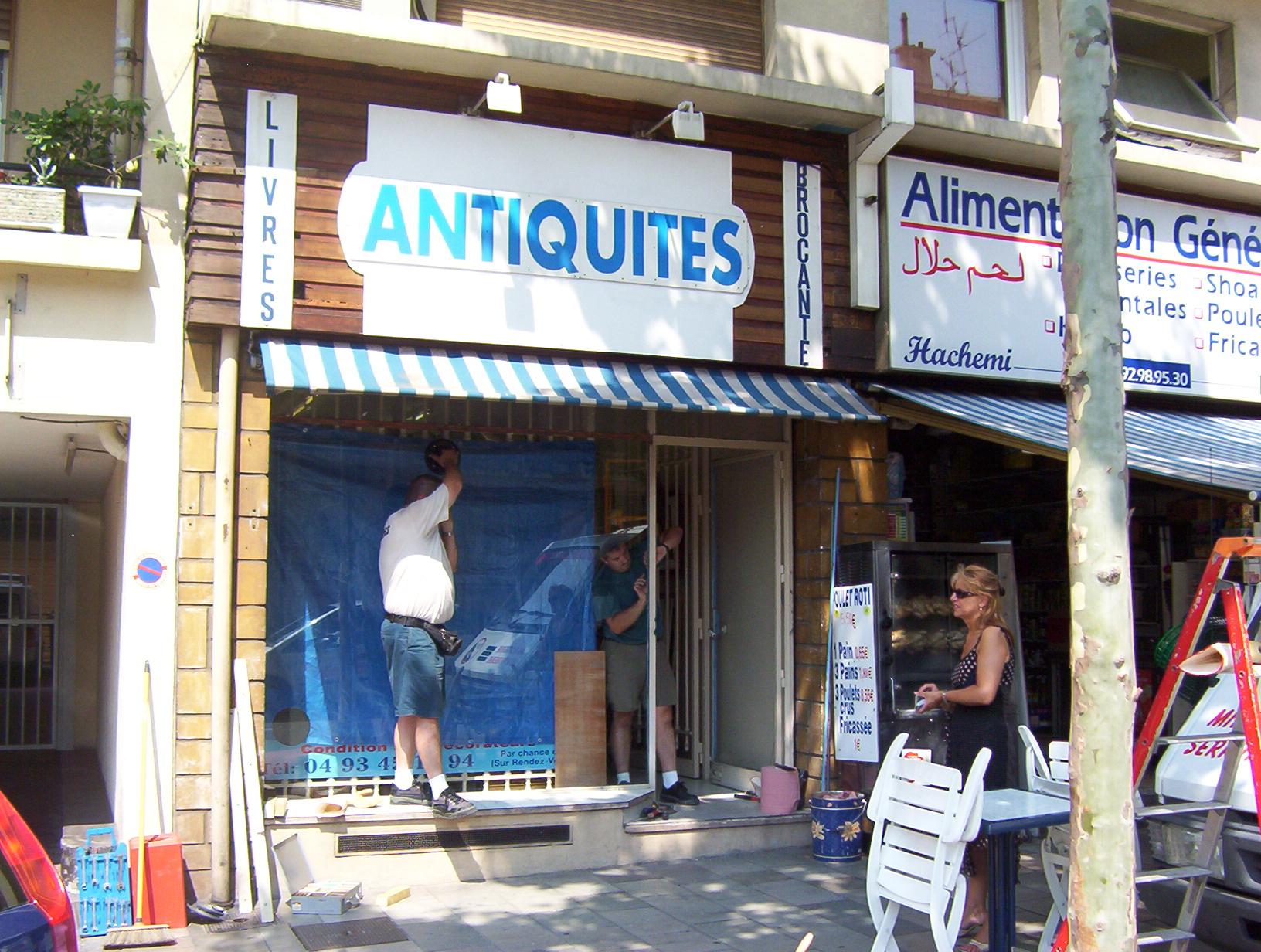 Pose et réparation de vitrines